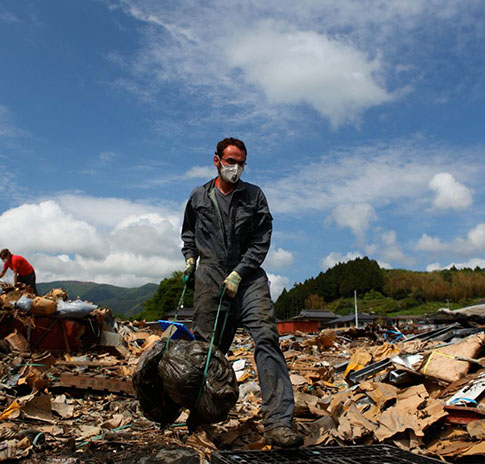 Quinn Emanuel collaborates with All Hands and OGA for Aid to help rebuild and clean the towns of Ofunato and Koishihama after the Japan earthquake and tsunami.